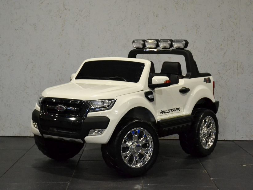 Ford Ranger Kinderauto 4x4 2 persoons 2x12V met MP4 TV 2.4G RC Wit