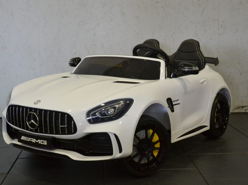 Mercedes AMG GTR 2 Persoons Kinderauto 2x12V 4WD 2.4G RC Wit